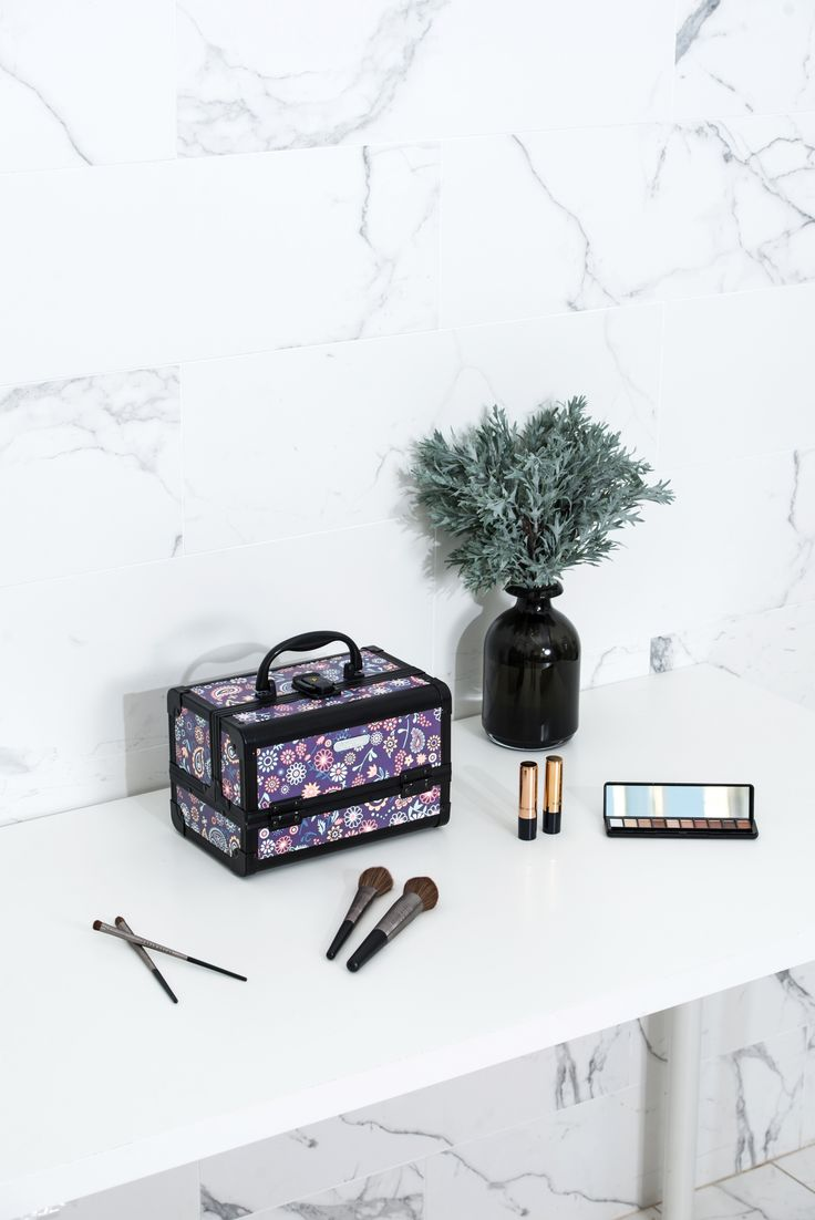 Purple Floral Print Professional Makeup Train Case with Mirror--Joligarce Travel makeup case with mirror Artis makeup case Makeup vanity with storage Makeup organizer with mirror Best makeup case Big makeup case Cheap makeup organizer Cosmetic train case Makeup case with brush holder Makeup organizer with drawers Makeup case with lock Makeup artist train case Portable makeup case