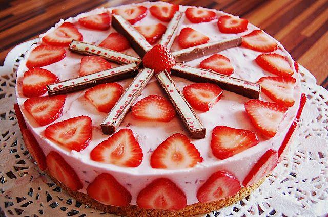 Leckere Rezepte: Erdbeer Yogurette Torte