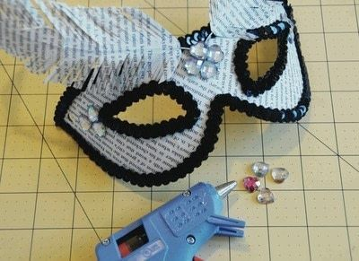 How to make a mask. Recycled Masquerade Mask - Step 8