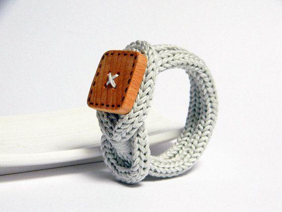 Knot bracelet, grey pearl cotton bracelet. Wooden bracelet. Fiber bracelet.