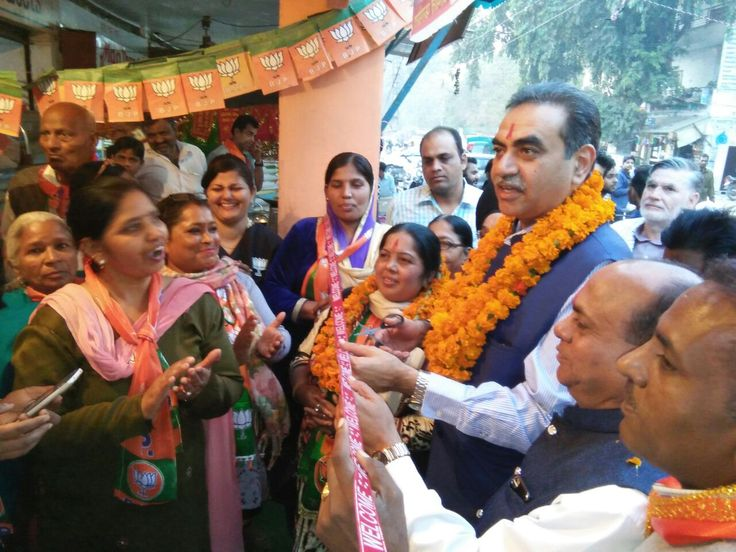 On December 2, BJP Chief Sanjay Tondon inaugurated the Election Office of BJP Candidate from Ward no 6, Farmila  Devi for Chandigarh MC Polls to be held on 18th of this month. During the event, Farmila Devi, Sanjay Tondon were present with party workers and media addressing the people.