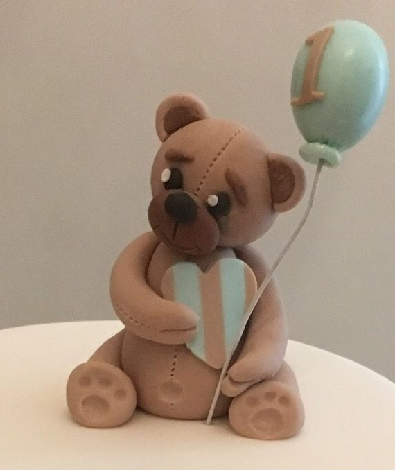 Teddy Bear Sugarpaste cake topper
