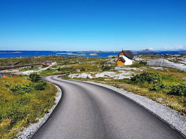 #Træna #Nordland #norway . . . . . #ilovenorway #bestofnorway #visitnorway #norwaypng #norgebilder #norgefoto #sommer #utpåtur http://ift.tt/2sDLocX