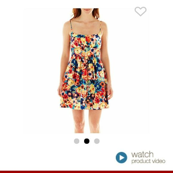 Floral dress for sale. PRODUCT DESCRIPTION  WEB ID 2234081  Blooming with a sweet feminine vibe, our floral print dress is always ready for a warm-weather day.  36? length from shouldercotton/spandexpolyester lininghand wash, line dryimported     Brand new floral dress for sale. Bought a couple of these cause they were on sale. Got this in JC penny. b smart Dresses