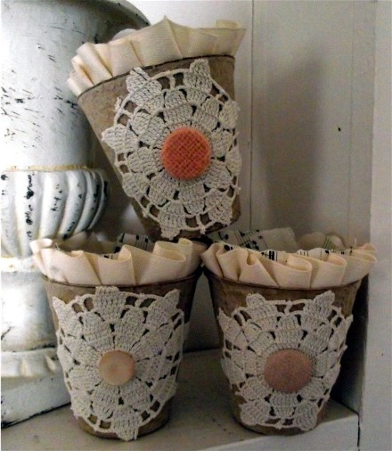 Peat pots trimmed with doily bits and vintage findings.  From Speckled Egg's Blog.: Crafts Peat, Peatpot Fun, Diy Crafts Fun, Hoppidy Easter S, Nest Crafts, Peat Pots, Hippity Hoppidy, Easter Eggs, Spring Crafts