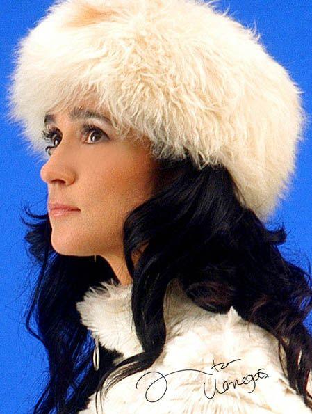 Firma.    Ingrid Yrivarren.