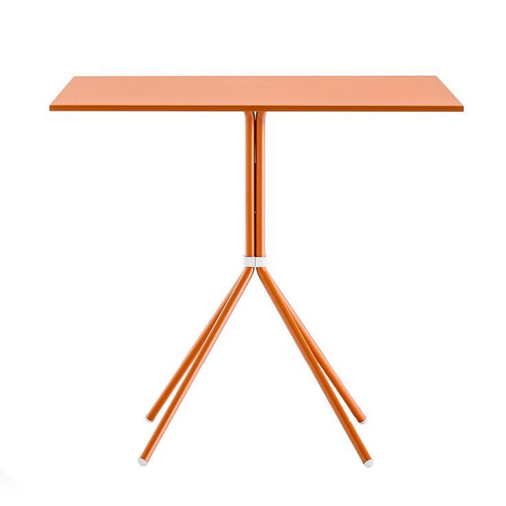 Nolita 5454 table #basiccollection #table #design #mood #horeca #colors #summer #steeltable