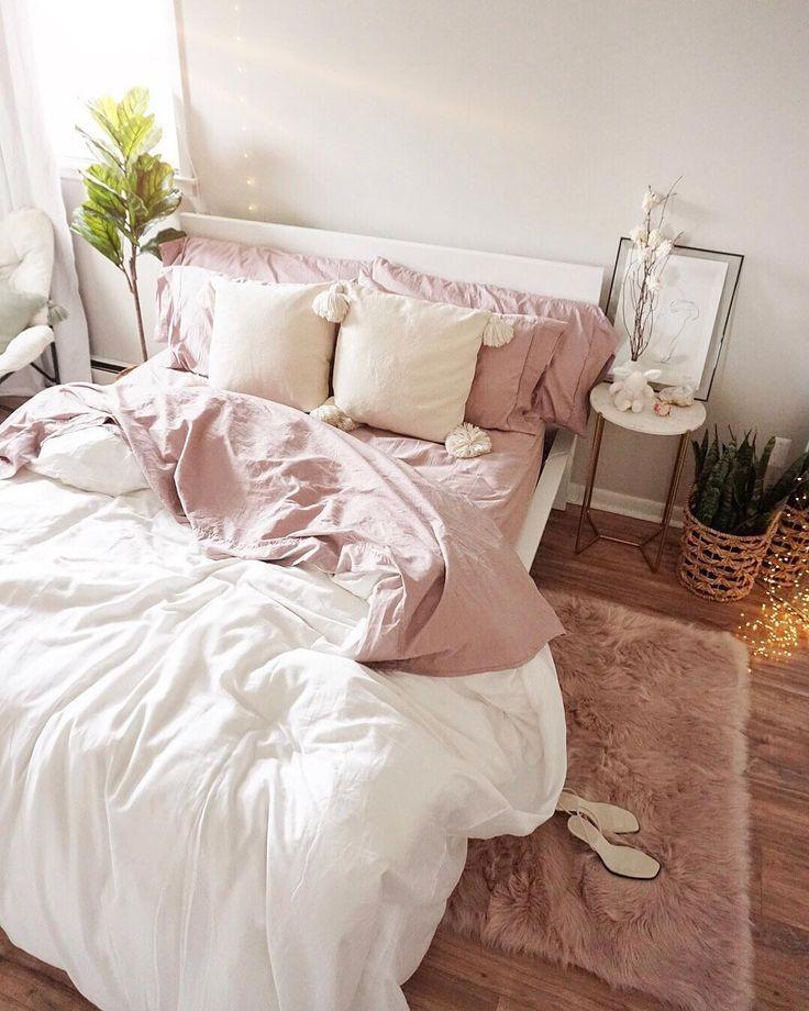 Pink Minimal Bedroom In 2019 Pink Bedroom Design Minimal