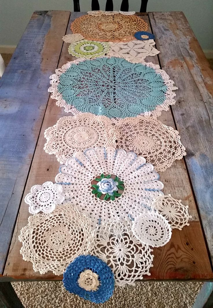 Love this for anytime of year. Just find the right color doilies. Dont runner away from me, pretty doilies.