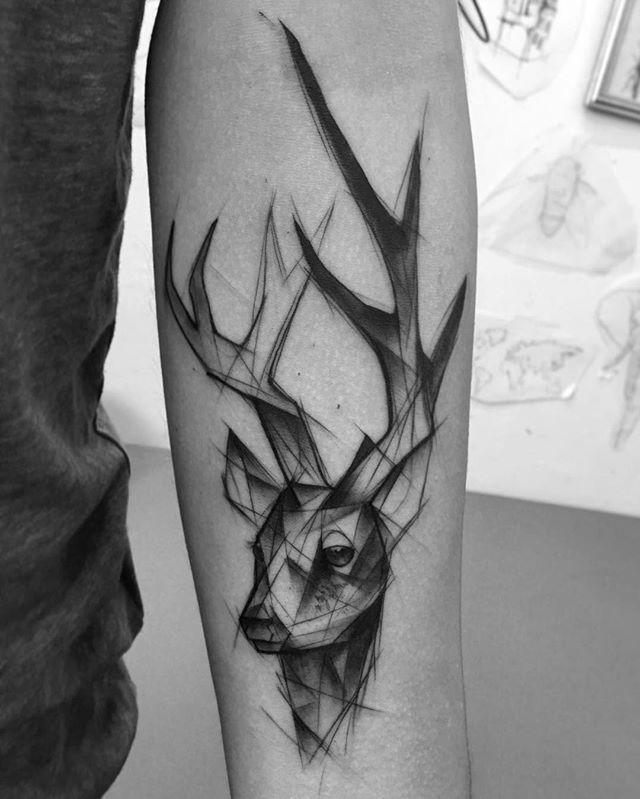 best 25 geometric deer ideas on pinterest geometric tattoo deer geometric animal and wall. Black Bedroom Furniture Sets. Home Design Ideas