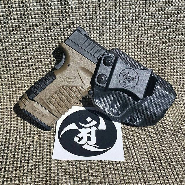 Holster love from our good friend Nada! from @nar15da My man Alex hooking me up again with an awesome holster. Wasn't expecting it to arrive that fast thanks homie I love it  @alexandryandesign #alexandryandesign #kydex #carbonfiber #Springfield #xds #45acp #FDE  Alexandryandesign.com