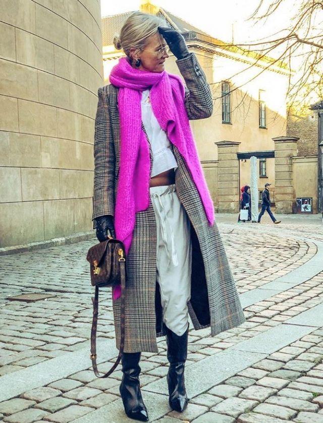 El Estilo No Tiene Edad Y La Danesa Mette Sorrig Lo Demuestra Con Maestría Style Me, Elegant, Outfit, Fitness, Fashion, Pink Jacket, Older Women, Innovative Products, Jackets