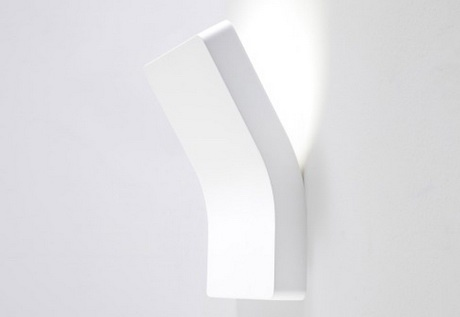 Another minimalist wall lamp.