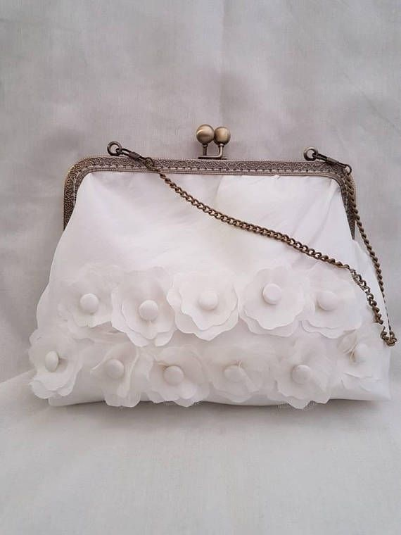 Hubsche Elfenbein Kuss Verschluss Etsy Bridal Handbags Bridal Bag Wedding Clutch