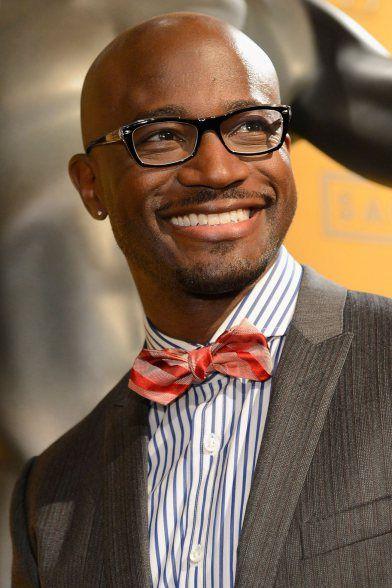 Photo de l'acteur américain Taye Diggs avec la boule à zéro
