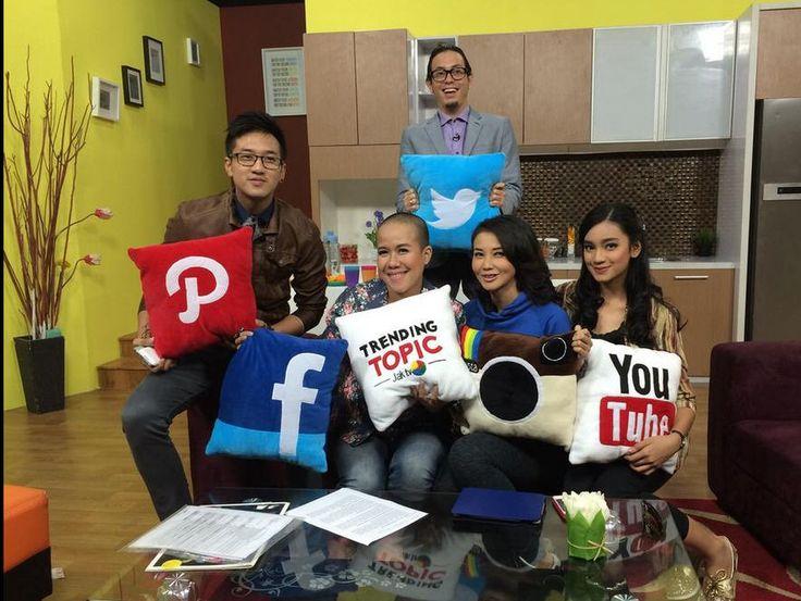 Bantal Sosial media , bantal karakter #FunnyPillow  www.flanellucu.com