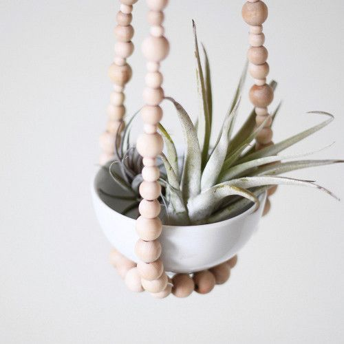 beaded plant hanger: Plants Hangers, Hanging Plants, Beads Plants, Air Plants, Small Beads, Hanging Planters, Beads Hanging, Wooden Beads, Beads Air