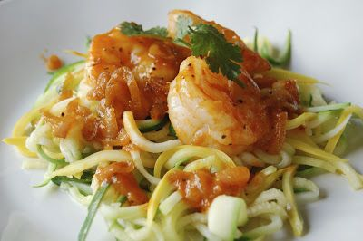Sriracha Shrimp with Zoodles: Noodles Recipes, Zucchini Noodle Recipes, Healthy Eating, Zucchini Noodles, Food Spiralizer Recipes, Sriracha Shrimp, Veggie, Healthy Foods