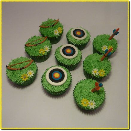 Archery Cupcakes! This would be great for the archery club's annual potluck!