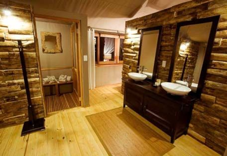 His and Hers Sinks AND a sauna/steam room .... HEAVEN!