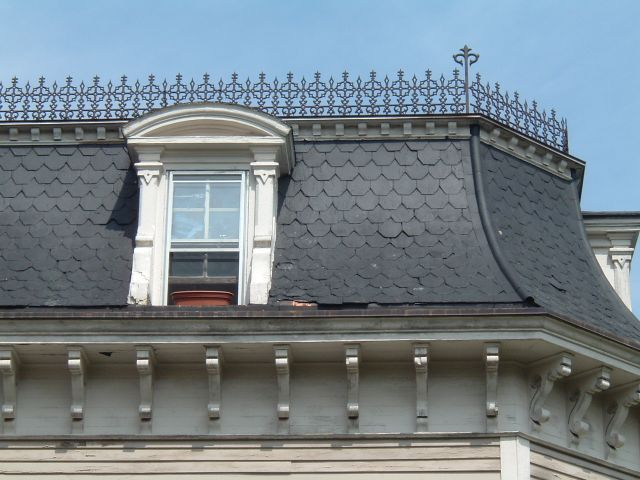 The 25 best mansard roof ideas on pinterest house porch for Mansard roof pros and cons