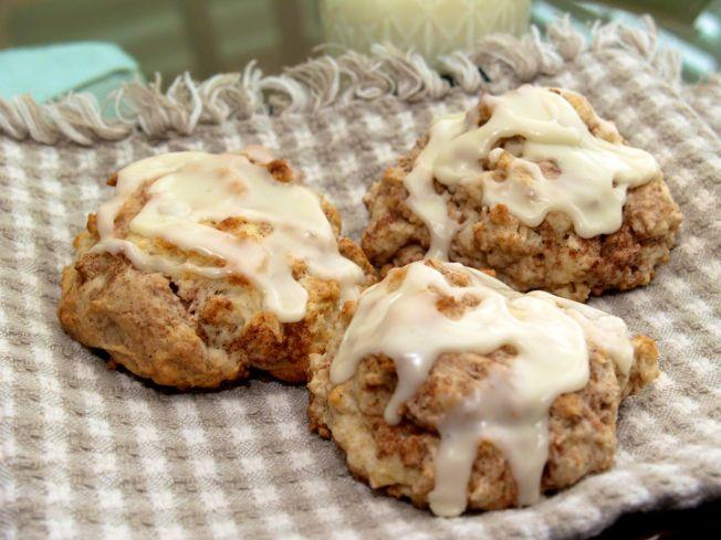 Cinnamon bun scones. | Breakfast | Pinterest