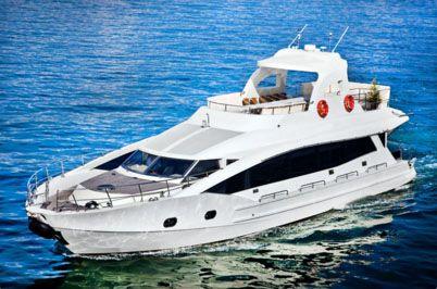Su yatçılık - yat kiralama - tekne kiralama Luxury yacht in Istanbul. Bosphorus private boat rental.