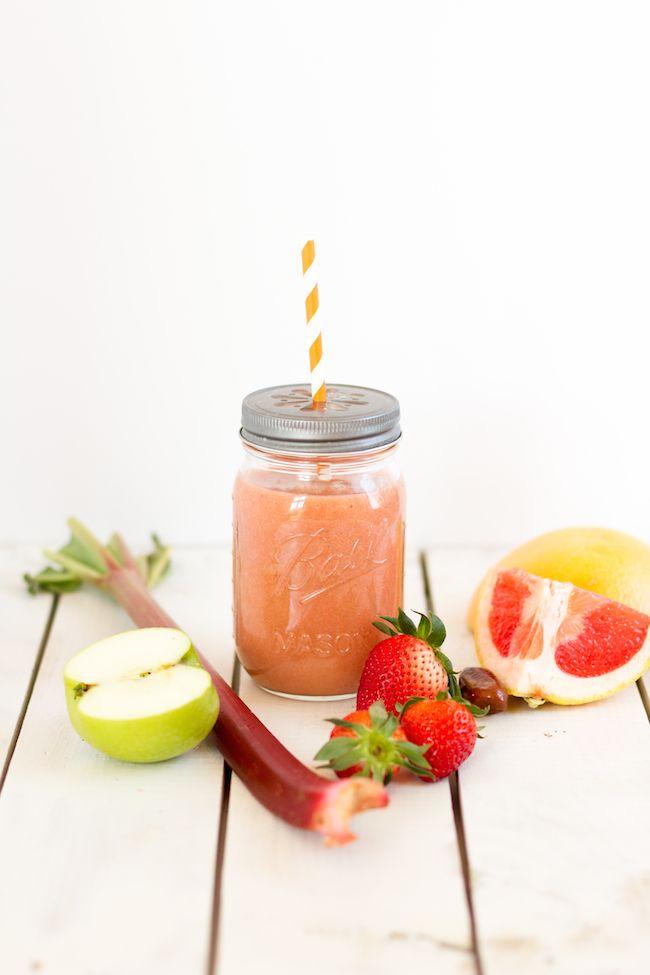 rhubarb strawberry grapefruit apple smoothie ...