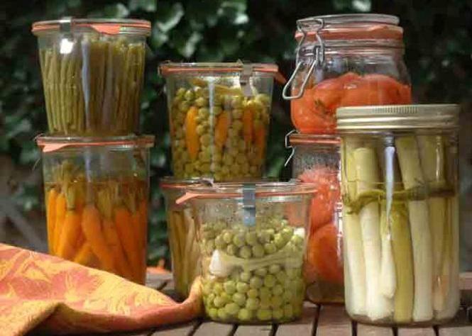 Conserves de légumes - C. Hochet / Stylisme B. Ballureau