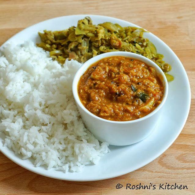 Poodu Kozhambu - Garlic Gravy for Rice. Kozhambu is a south indian gravy usually served with rice and a vegetable side dish. - Gluten Free, Vegan