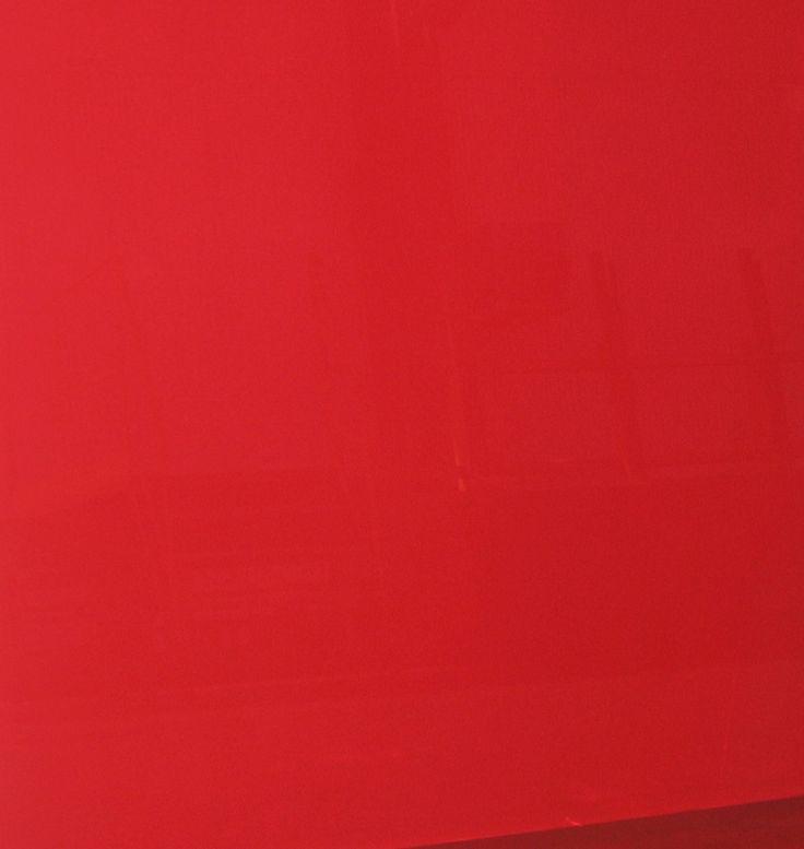 Pilkington Optilam™ I Red - laminated glass with red PVB interlayer © Pilkington Poland