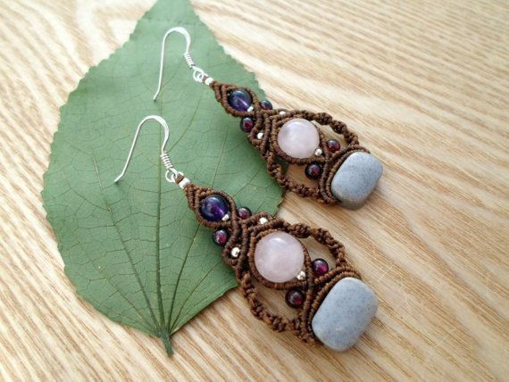 Micro macrame earrings with Agate,Rose Quartz,Amethyst,Garnet and small metal beads. We used high quality waxed thread in a Brown color, the waxed thread is ideal for creating jewelry because it's waterproof and the jewelry maintain their original shape for years.