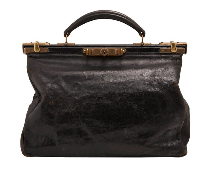 vintage smythson of bond street bag  via style bubble.