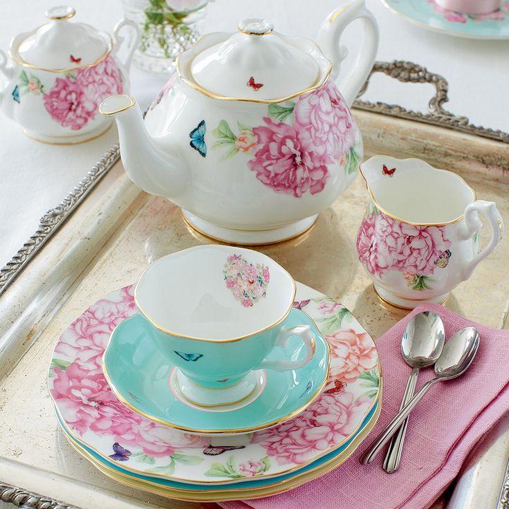 Vintage tea party inspirations from Miranda Kerr