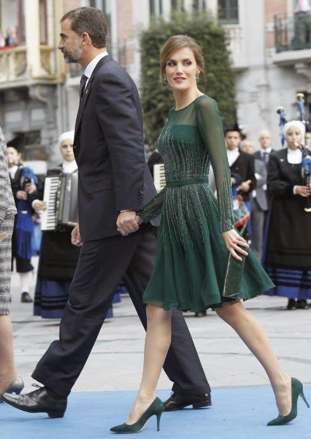 Letizia looking her princessy best at the Principe de Asturias awards 2013.