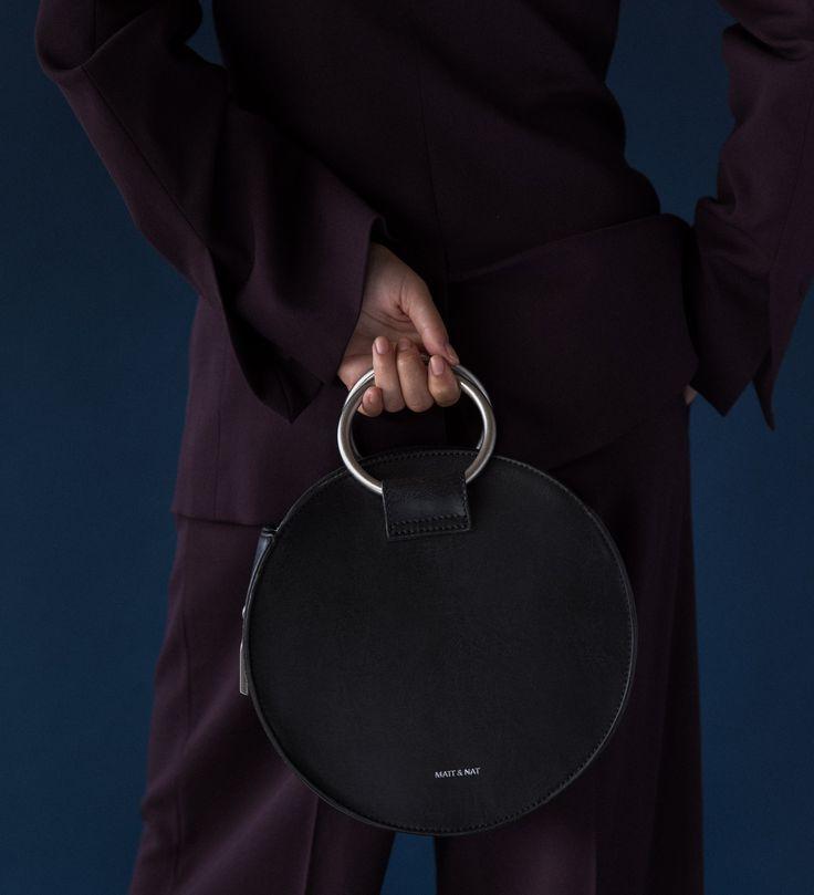 SINA SM HANDBAG by Matt&Nat Montreal Vegan brand. Round handbag for holidays. Shop at forevermlle.com online store.