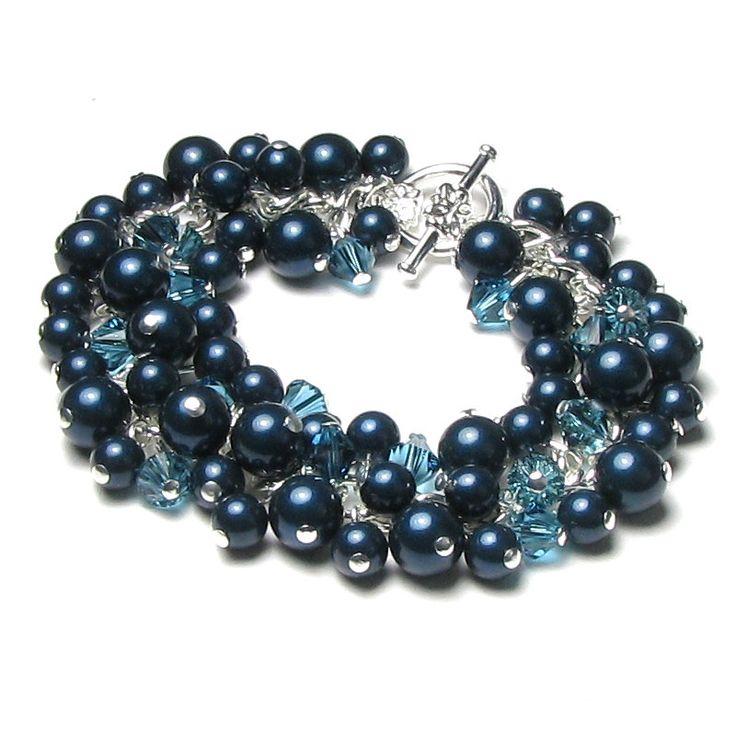 Karkötő inspiráció #Swarovski Crystal Round gyöngyökből #Night #Blue, és Xilion #Bicone kristály gyöngyökből #Indicolite színben.