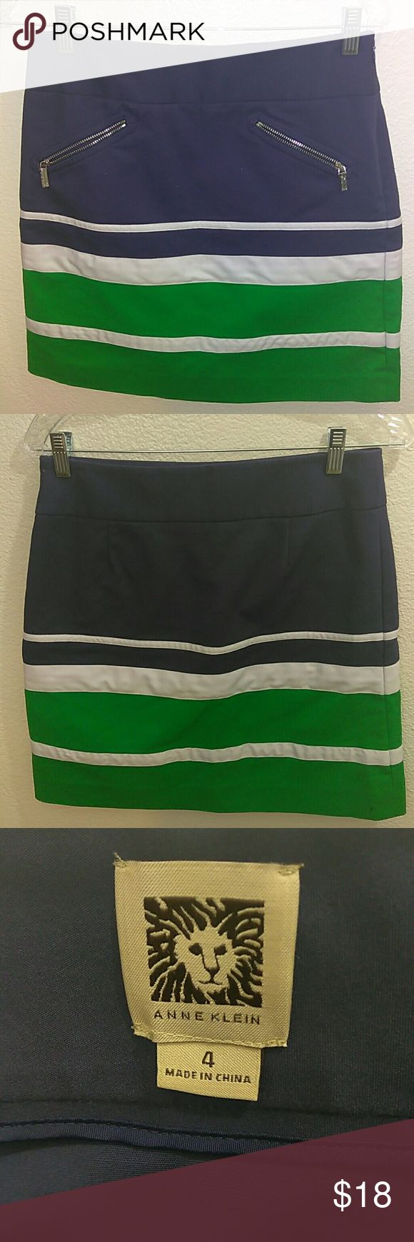 Anne Klein Woman's mini skirt Anne Klein striped color block pencil skirt...Waist:30 inches... Length:18 inches Anne Klein Skirts Mini