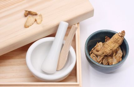 """The """"King of Herbs"""" Improves Chronic Fatigue Symptoms - panax ginseng"""