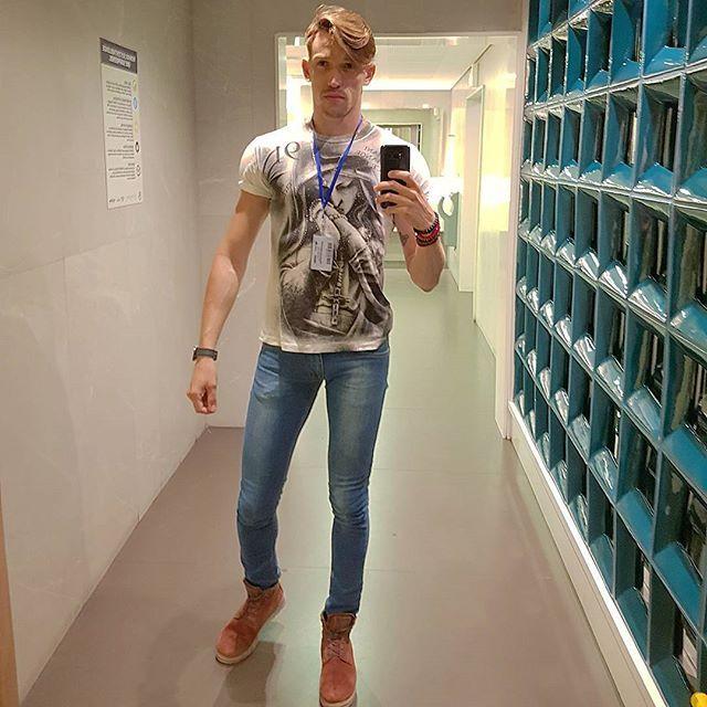 Por que feriado tbm e dia de trabalho.💞  #amagdhiel  #instadaily #instagram #instaboy #gayboy #instagood #instago  #fortaleza #gogo #instagay #d  #vidasaldavel #paixoes #forca #foco #dieta #treino  #gayhot #gaypride #gay #tatoo #na_tela #dance #boystopbrasil #handsomegay  #instaguygay #instateen  #gaylife #gayselfie #gaytravel