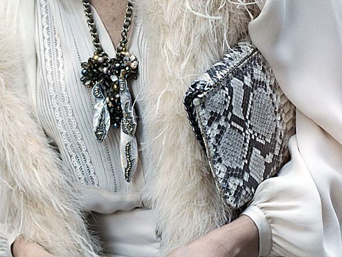 Love the textures!Fashion Weeks, Snakes Skin, Statement Necklaces, Black White, Fashion Accessories, New York Fashion, Street Style Fashion, Fall Fashion, Chunky Necklaces