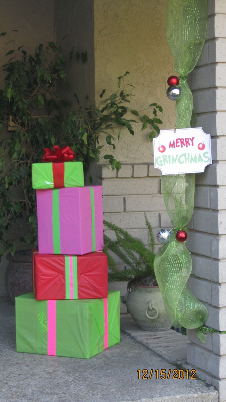 Grinch outdoor christmas decorations - Merry Grinchmas Party Front Door Decorations Whoville Christmas Decorationsgrinch