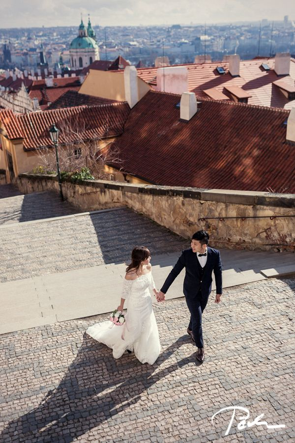 #Pre-wedding photo shoot in #Prague | wedding photographer pelucha