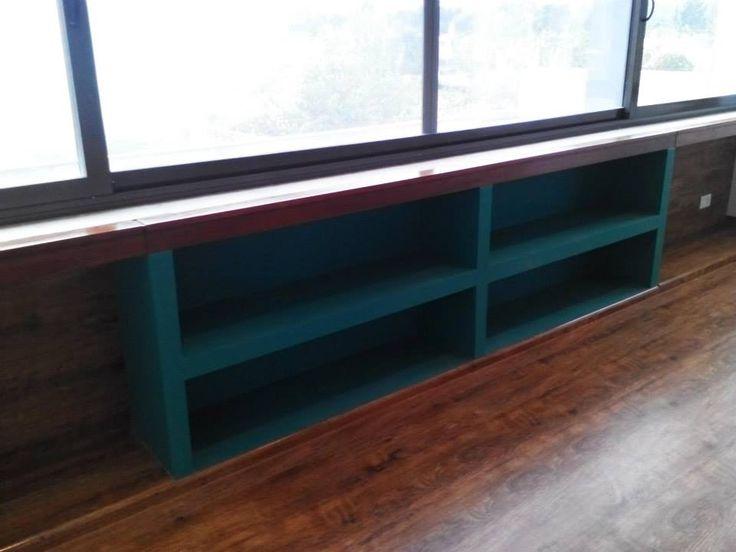 Estudio juarez lico muebles bajo ventana en dormitorios for Muebles de oficina juarez salta