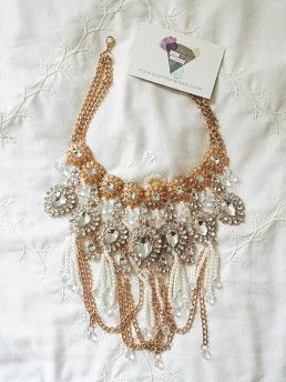 Mother of Pearls necklace from Dusty Diamonds Boutique in UK. I want this necklace soooooo bad