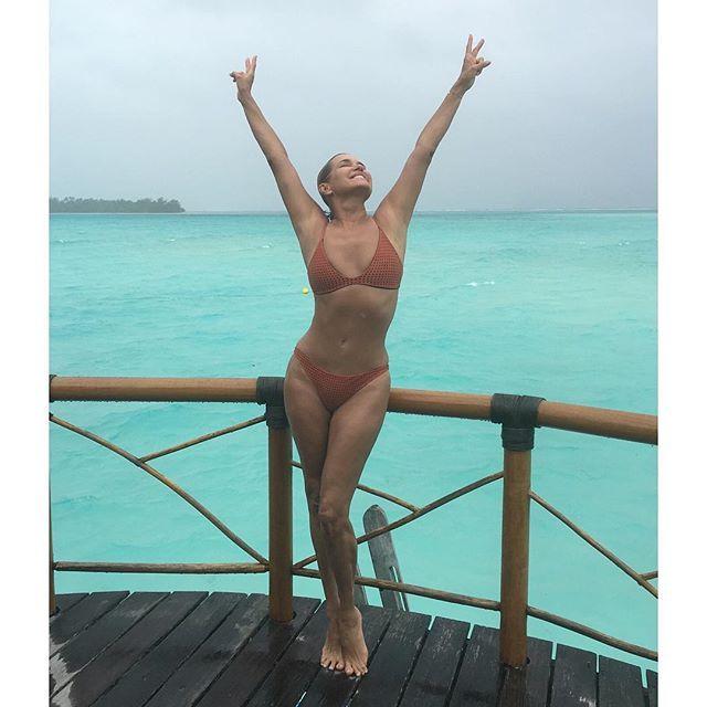 Pin for Later: Les Meilleurs Moments Bikini Instagram de l'Année — Jusqu'ici! Yolanda Hadid