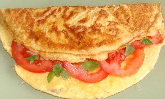 light omelette, the ideal option for diet breakfast - whole grain bread, of course :) Przpies when you click on the photo #cooking #diet #omelette #low calorie