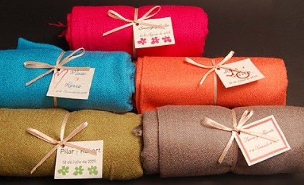 Pashminas un regalo muy util; se aconseja que sean obsequios para tu despedida de soltera