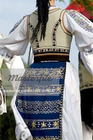 One of my very favourite ethnic outfits! Romania, Transylvania, Ibanesti, folk dance
