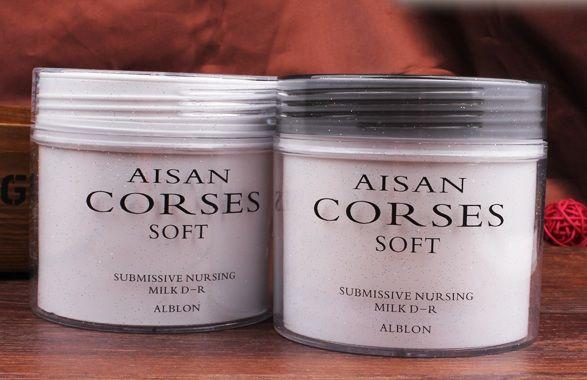 Mặt nạ tóc Aisan Corses Soft  Hiệu quả: Phục hồi nhanh hư tổn tóc bởi nhuộm, uốn, xơ, trẻ ngọn, gãy... Tóc hư tổn cấp độ 9 về độ chắc khỏe và tính linh hoạt có thể phục hồi về cấp độ 3 ngay lần gội đầu tiên, tóc trở lên chắc khỏe, mềm mại  Tên sản phẩm: Mặt nạ tóc Aisan Corses Soft  Dung tích: 500ml  GIÁ BÁN Giá lẻ    -    300K/1 Hộp Giá buôn: LIÊN HỆ  Liên hệ mua hàng: 0988328398  Trang chủ : https://sites.google.com/site/qtshopvn